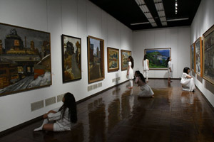 museumdance3.jpg